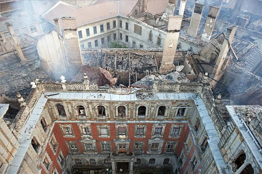 Fire Damages In Billions On Andrássy Avenue Building In Budapest