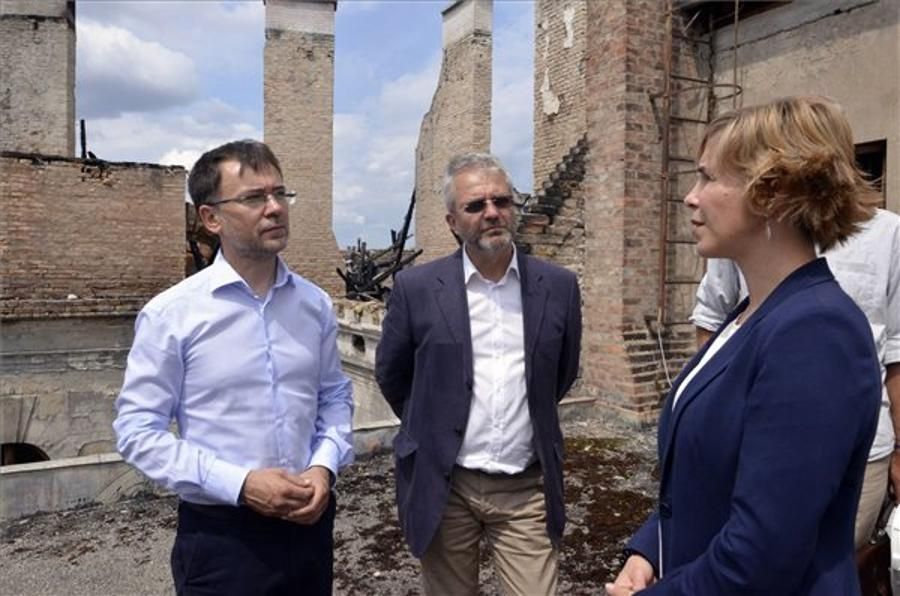 Govt Offers Help To Restore Andrassy Ave Building Damaged In Fire In Budapest