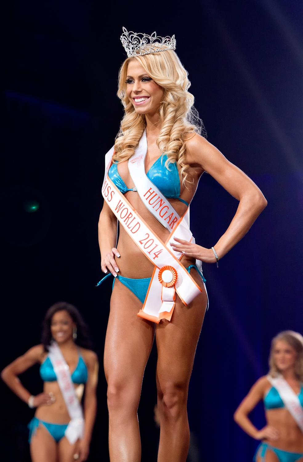 Hungarian Nikolett Szollath Named Miss Hooters World In Annual Hooters International Swimsuit Pageant