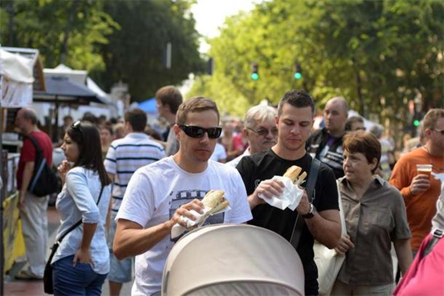 See What Happened @ 8th Főzdefeszt + Street Food Show On Andrássy Út
