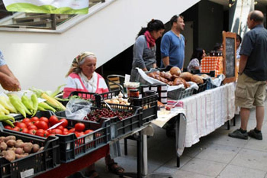 Exploring Farmers' Markets in Budapest