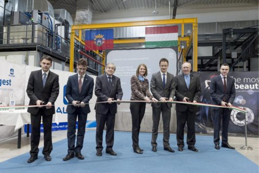 Hungary's Foreign Minister: Bell Attend Alcoa Inauguration In Székesfehérvár
