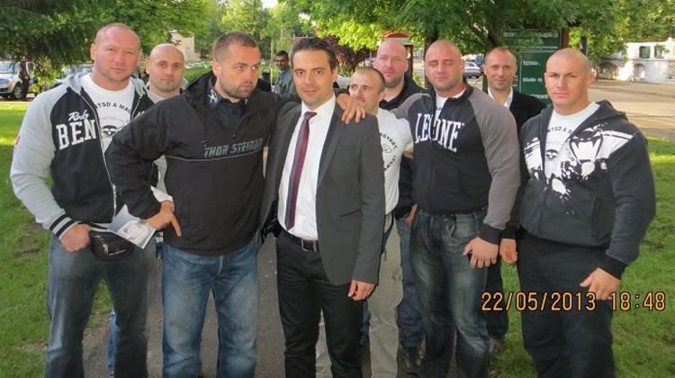 Hungarian Hate Group 'Highwayman Army' Seeks 'Fighters', Jobbik Connection?