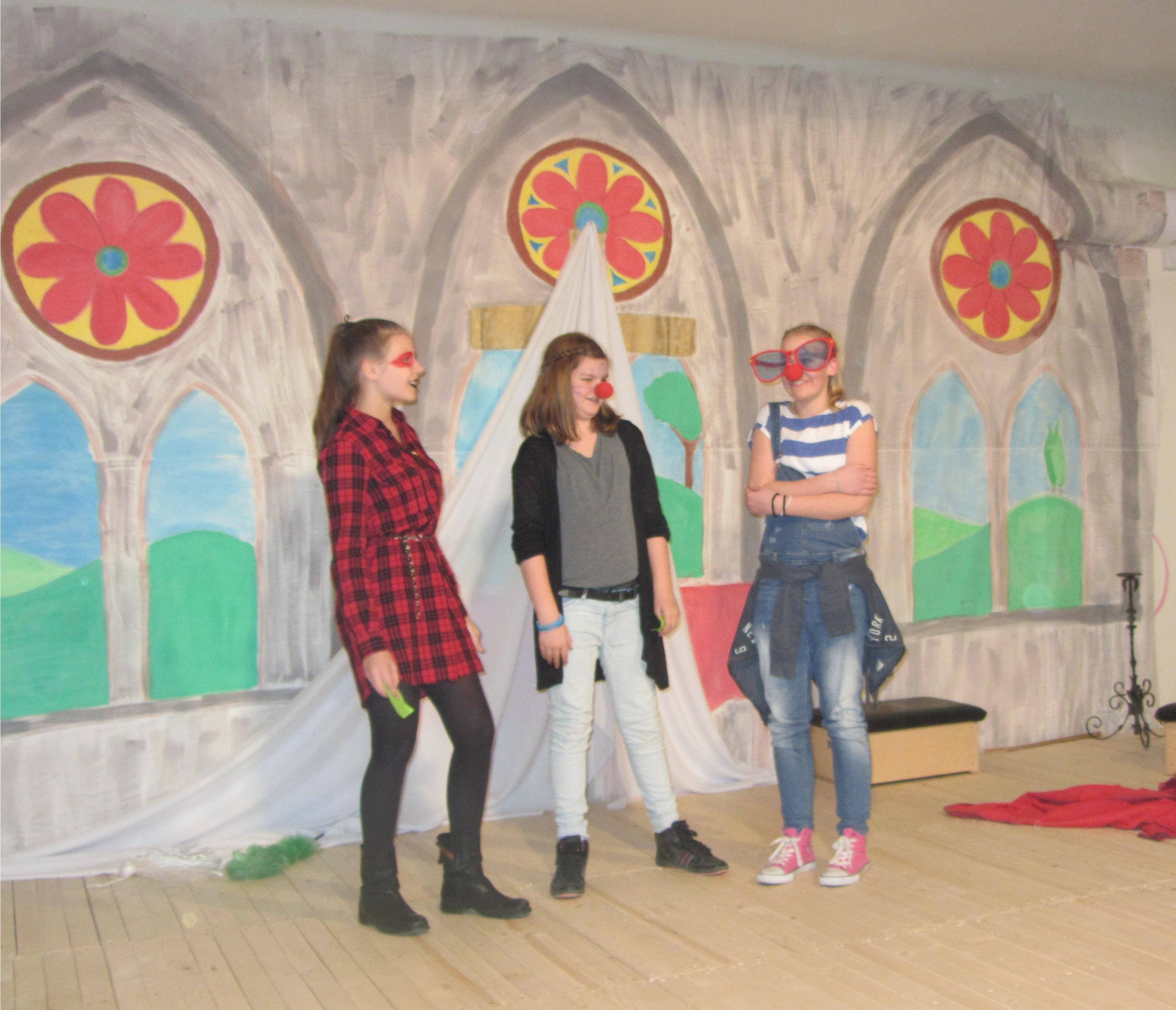 English School Of Budapest: UK Comic Relief Charity Project