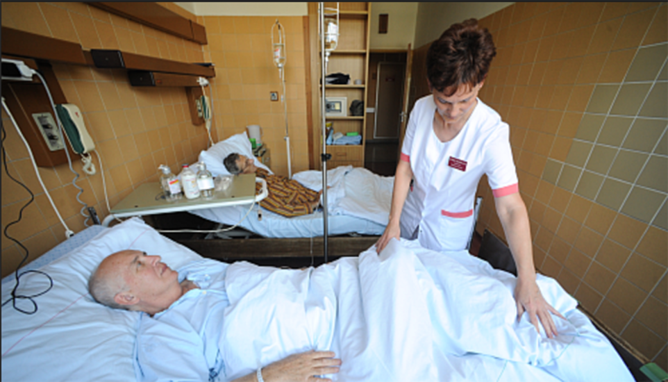 Hungarian Health Care Workers Earn 1/10th That Of Their Western Counterparts