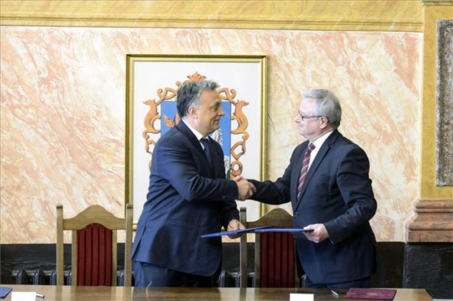 Hungary's PM Promises Four Lane Road To Eger By 2018