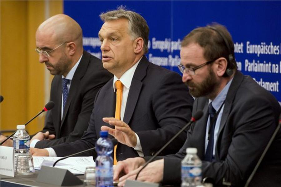 "Hungarians ""Should Decide On Immigration Issue"""