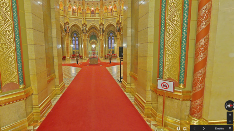Exploring Inside Hungarian Parliament With Google