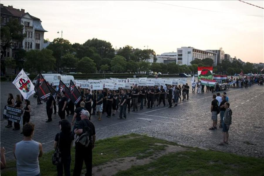 64 Counties Organises March In Budapest Marking Trianon Anniversary