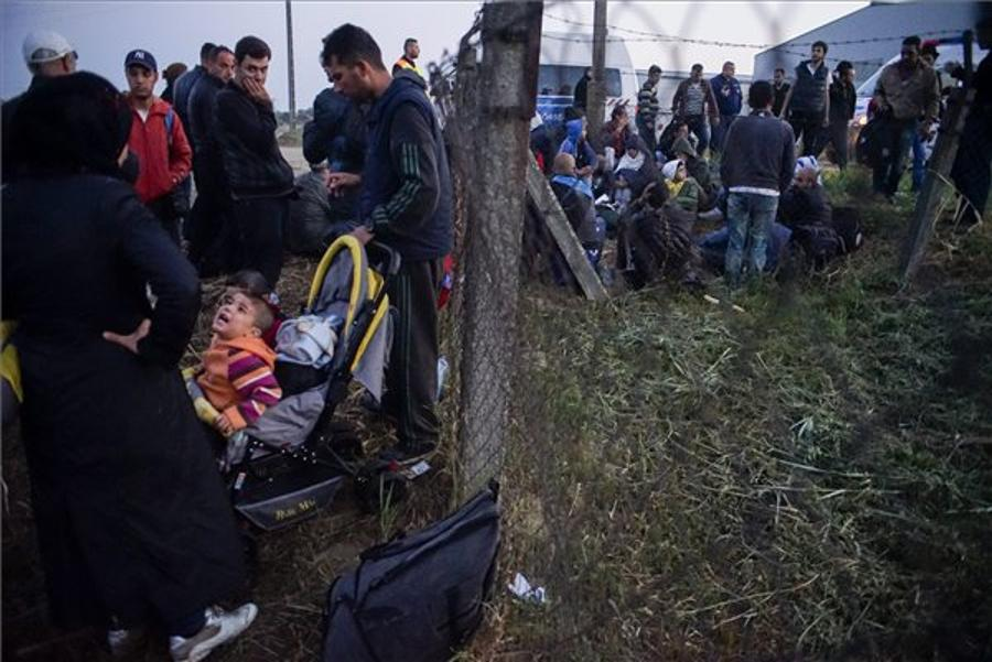 Hungary's Far Right Hassles Refugee Aid Group