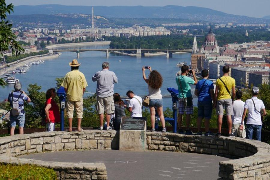 More Britons And Less Russians Visit Hungary
