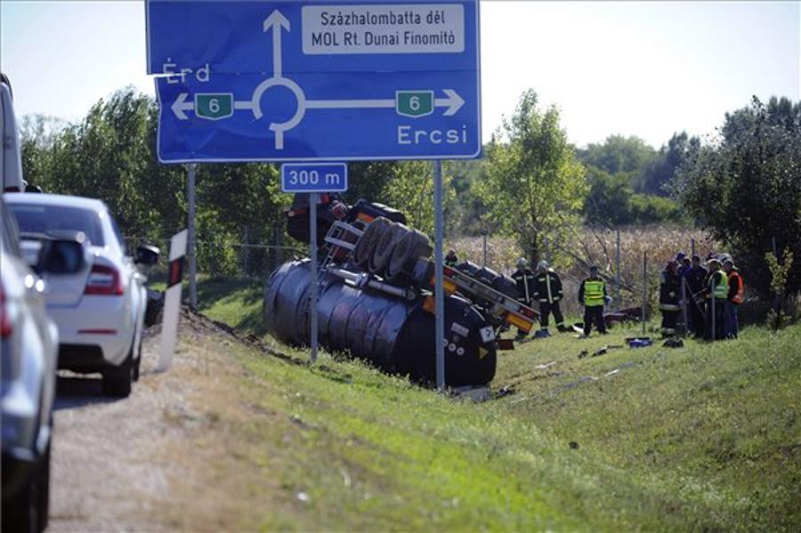 Tanker Accident Causes Oil Spill, Death Of Driver In C Hungary