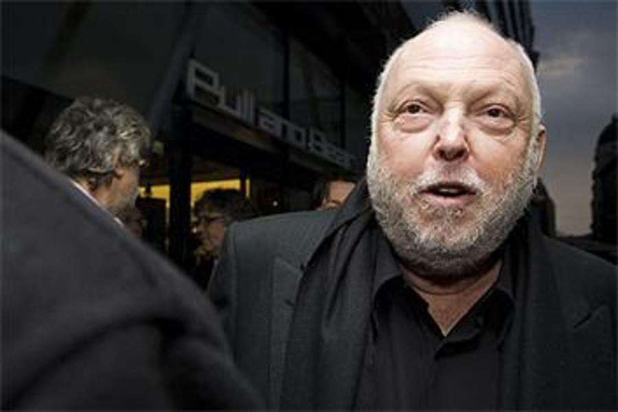 Hungary's Film Commissioner Vajna Buys Commercial Channel TV2