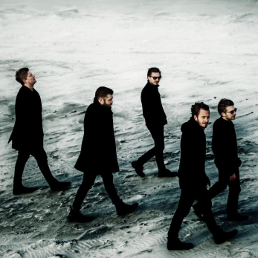 Editors (UK), A38 Ship Budapest, 8 December