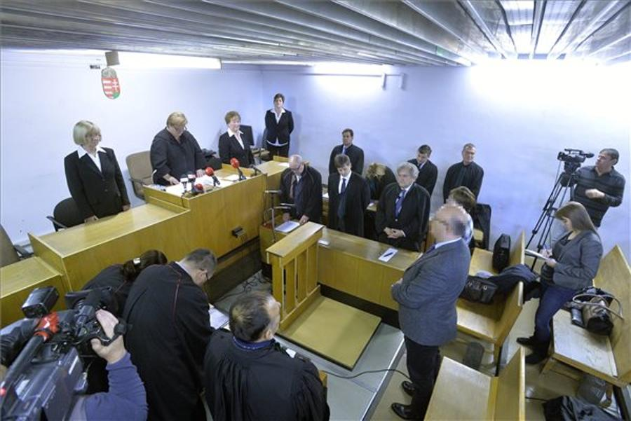 Budapest Court Acquits Officials Of Charges Over 2008 Real Estate Resale