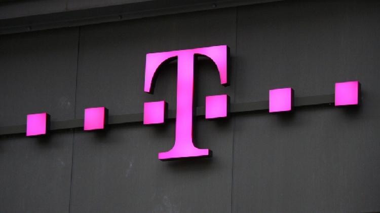 Xpat Opinion: Government Cancels Its Telekom Contracts