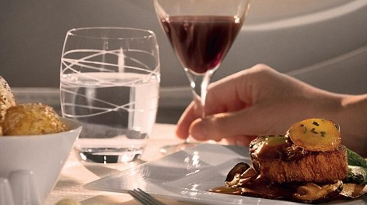 Qatar Airways - Business Class:  Experiencing Sky High Society