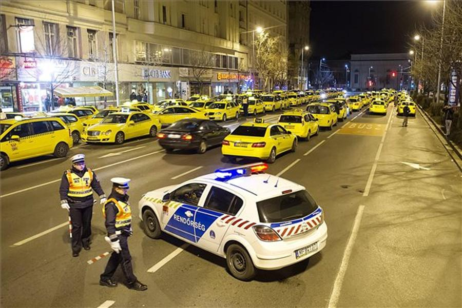Budapest Taxi Drivers Stage Demonstration Against Uber