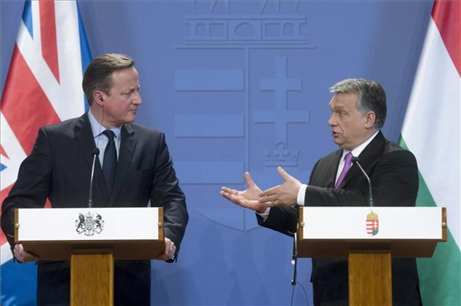 Hungarian Opposition Parties Slam Orbán For 'Not Standing Up To Cameron'