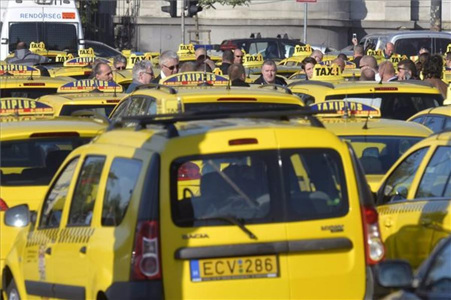 Cabinet To Examine Further Tightening Sanctions Against Illegal Taxis