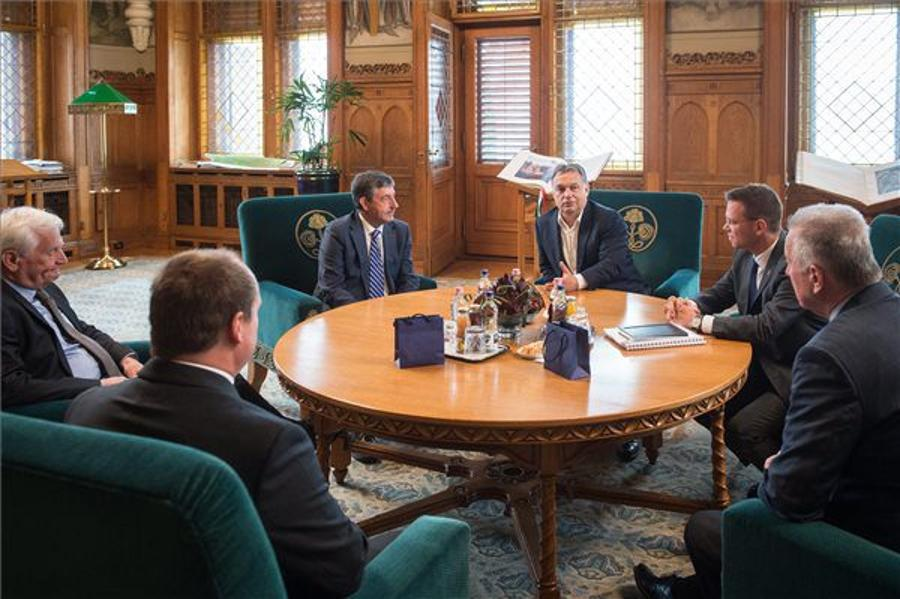 Prime Minister Meets Heads Of International Canoe Federation