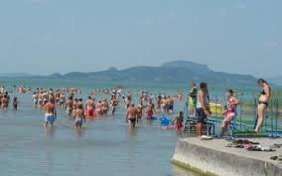 Free Public Access To Lake Balaton Shores Endangered By Govt Subsidy Cuts