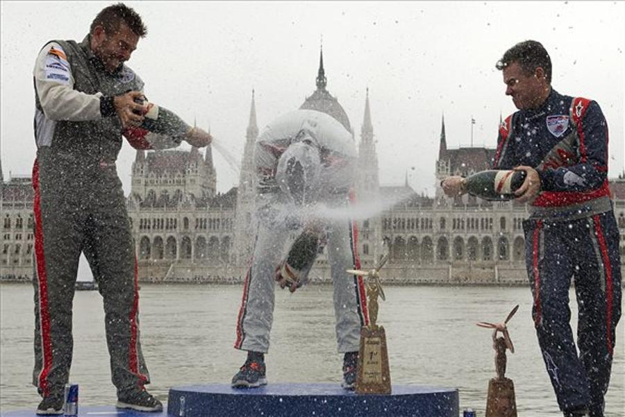 Red Bull Air Race Hit By Bad Weather