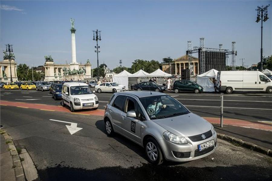 Few Protest Demise Of Uber In Budapest
