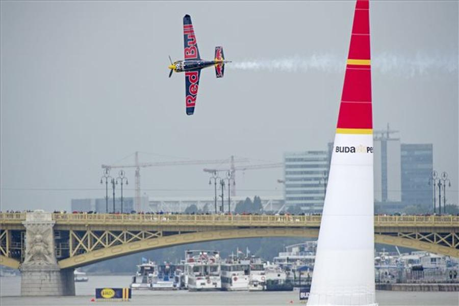 Red Bull Air Race - Matthias Dolderer Wins In Budapest