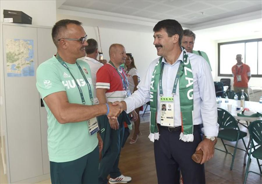 Áder Opens Hungarian House In Rio