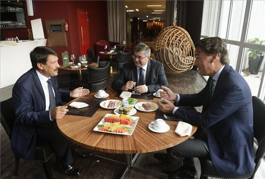 Hungarian President Áder Meets IOC Head In Brazil