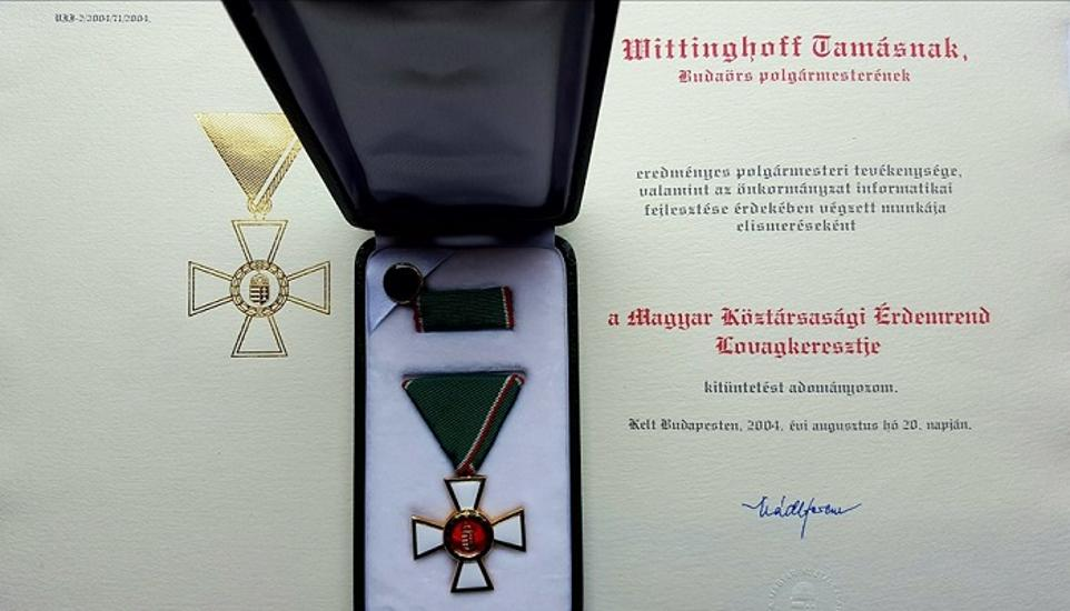 Dozens Of Hungarian Notables Returning Order Of Merit