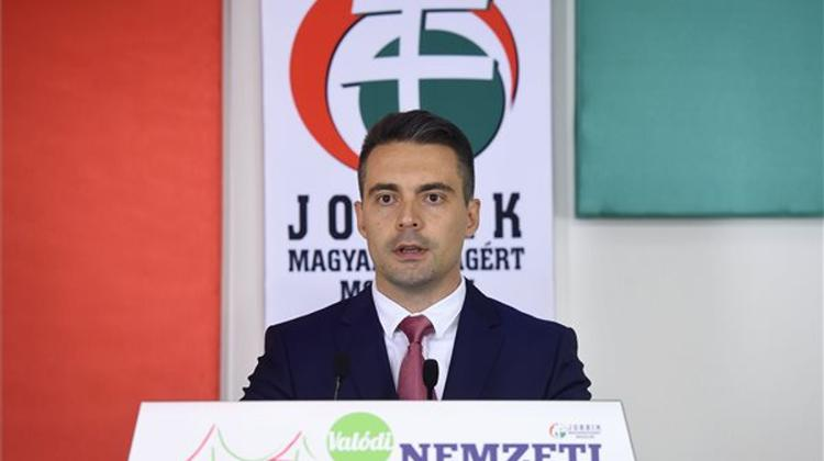 Vona Calls On Orbán To Resign