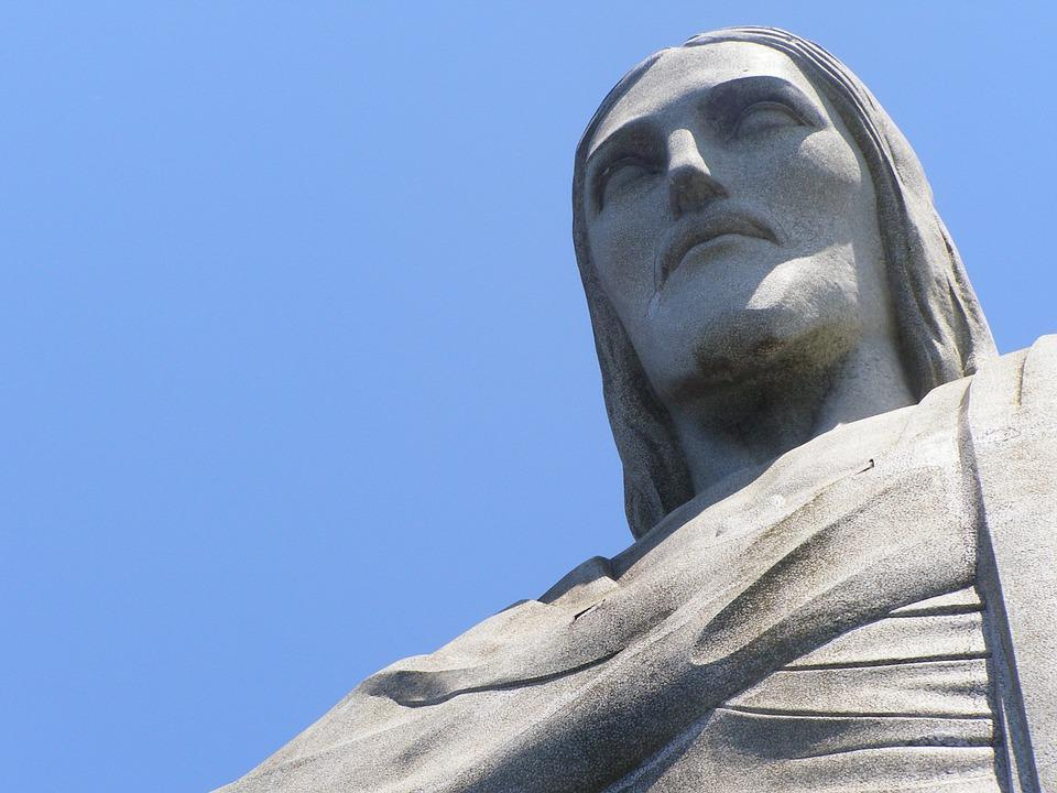 Rio De Janeiro's Christ Statue To Light Up In Hungarian Stripes