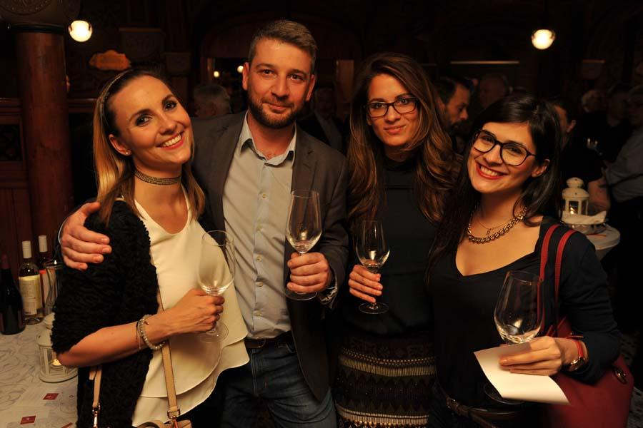 See What Happened @ XpatLoop's 'Merry New Year' Social Networking Event