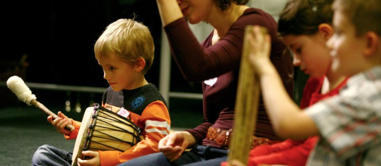 MUS-E: 'Creative Artistic Activity' For Children In Budapest, 14 January