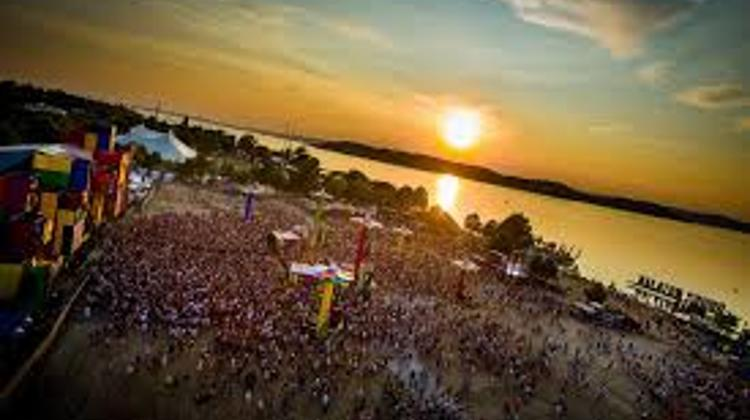 Balaton Sound: Armin Van Buuren, KSHMR, Galantis & 20 More artists