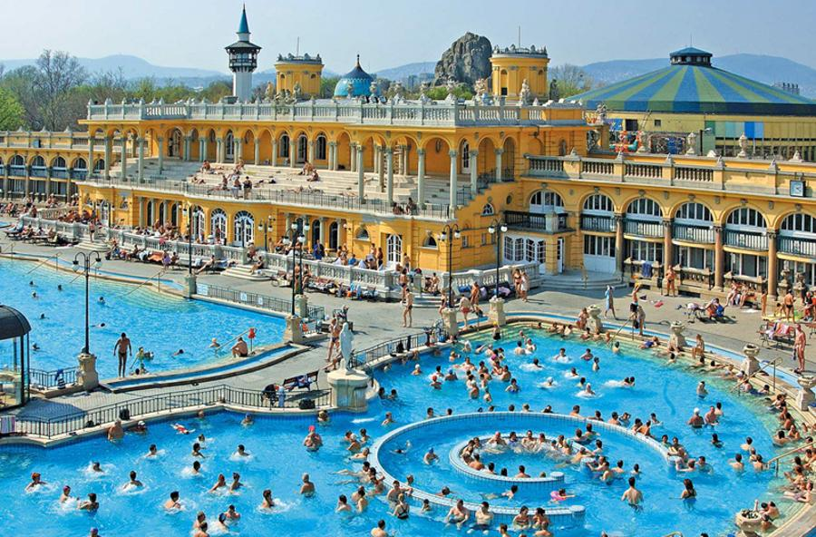 Guests Of Budapest's Legendary Spas & Baths Spent 14% More In 2016 Than A Year Before