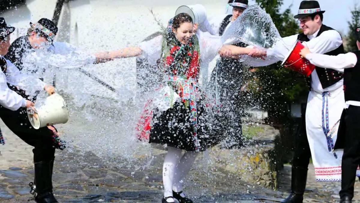 Video: 'Easter Customs' In Hungary