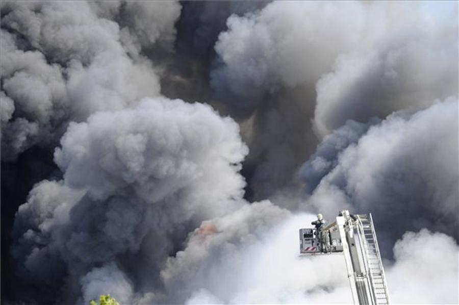 Pharmaceutical Depot Burns Down