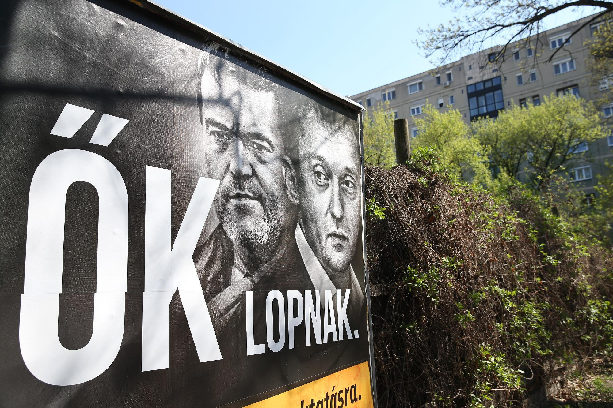 Unofficial Adviser To PM Árpád Habony Sues Jobbik Over Campaign Ads