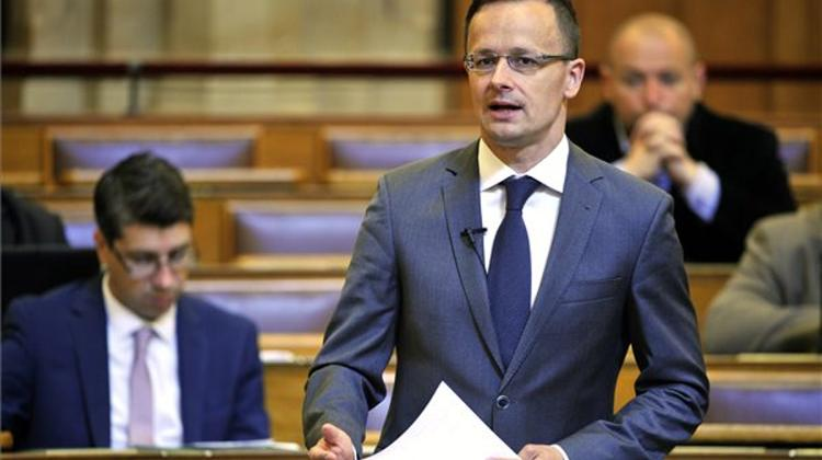 Foreign Minister: Hungary Won't Give In To EC's 'Blackmail'