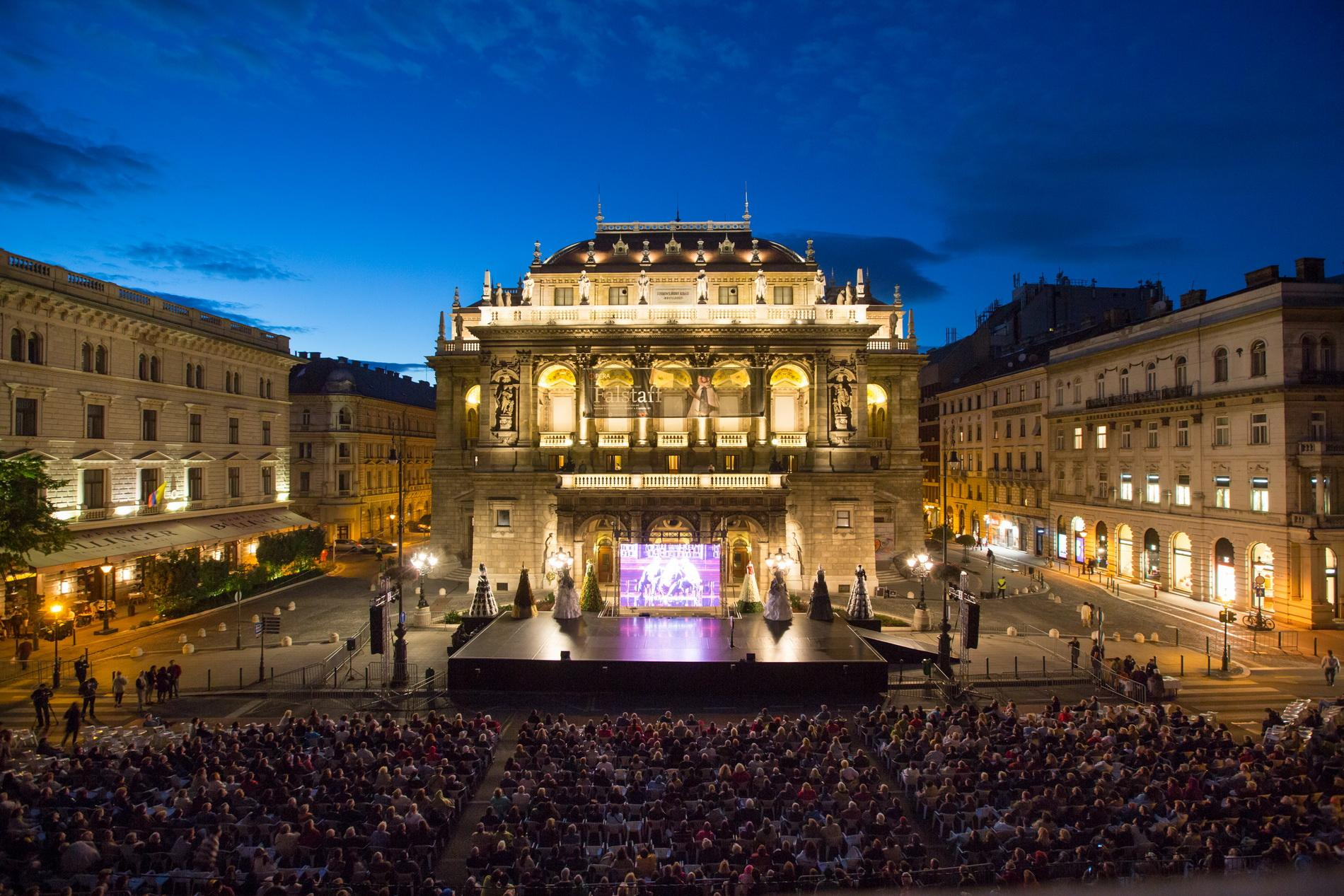 Hungarian State Opera Closing For One And A Half Year