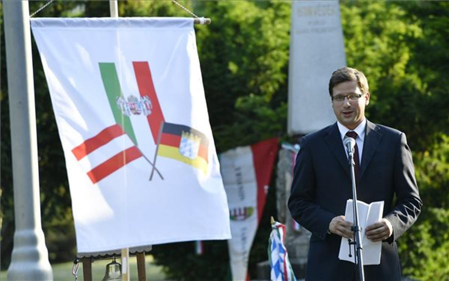 Fidesz Accepts Most Venice Commission Recommendations Concerning Civil Organisations Law