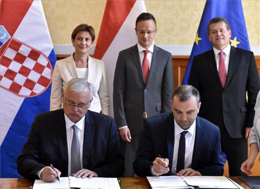 Hungary Welcomes Developing Ties With Croatia