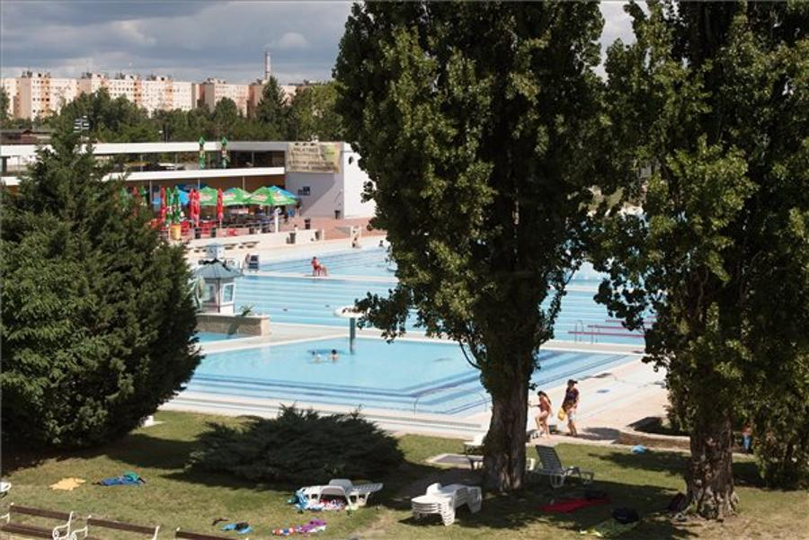 Fungarian For Expats: Watery Budapest