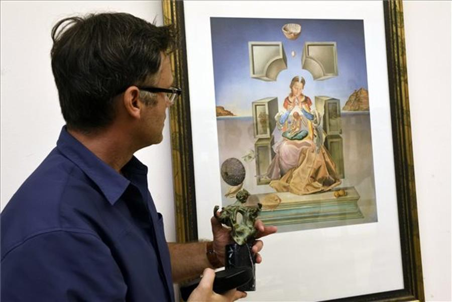 Dalí Exhibition To Open In Szeged