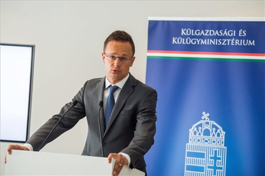 Hungarian FM Sees No Compromise With 'Pro-Migration' Governments