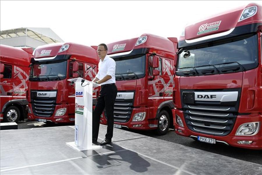 Foreign Minister Welcomes Hungarian-Dutch Truck Deal