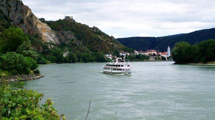 Gov't Publishes Danube Bend Projects